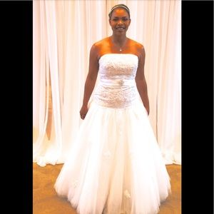 Size 14 Private Selection wedding gown